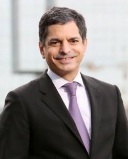 Ruben J Cruz