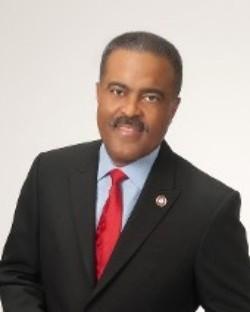 Dwayne M Murray