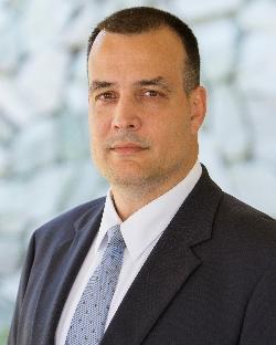 Leonard J Valdes