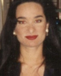 Vania Mia Chaker