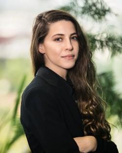 Emily E Rubenstein
