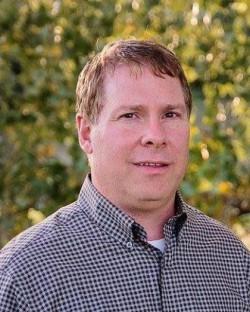 Todd R Stramel