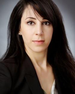 Jennifer V Abrams