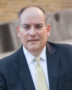 Robert J Moon